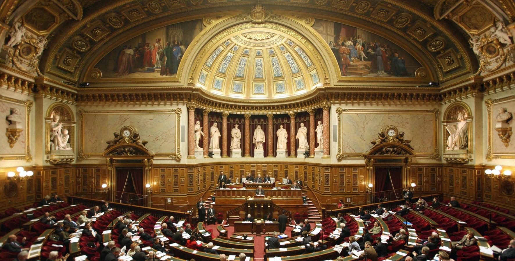 Le non-cumul des mandats ne passe pas au Sénat