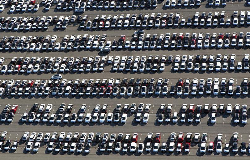 Le marché automobile clôture l'année en baisse