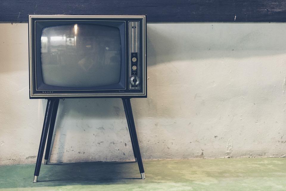 Comment louer une TV Samsung 4K Incurvée 165 cm ?